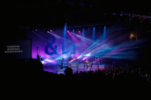 lauren-bryan-spectacular-worship
